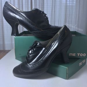 Me Too FROST oxford pump wingtip detail NEVER WORN